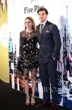 奥利维亚·巴勒莫 (Olivia Palermo) 与老公约翰内斯·徐贝尔 (Johannes Huebl) 携手 出席Zac Posen For Five Plus系列时装发布会