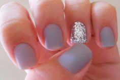 Gray matte nails with silver sparkle accent on ring finger. Gorgeous Nails, Love Nails, How To Do Nails, Nails Gelish, Gel Nails, Grey Nail Designs, Uñas Fashion, Super Nails, Nagel Gel