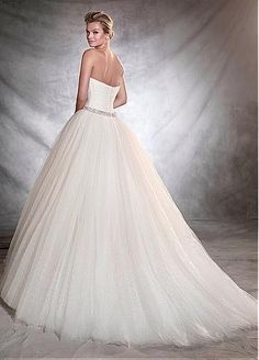 Charming Polka Dot Tulle Sweetheart Neckline Ball Gown Wedding Dresses With Beadings