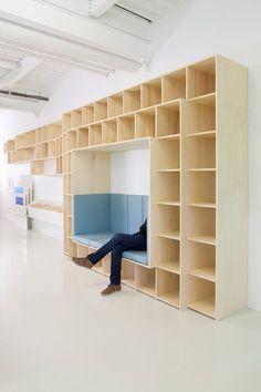 School Library Design, Home Library Design, Parametrisches Design, House Design, Design Ideas, Comedor Office, Fab Lab, Library Inspiration, Creative Storage