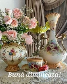 Coffee Presentation, Coffee Love, Vintage Roses, Good Morning Quotes, Morning Coffee, Tea Time, Tea Party, Cocoa, Tea Cups