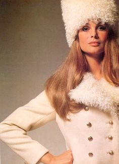 Jean Shrimpton models an Ottos Lucas coat in British Vogue, September 1969. Photographed by David Bailey. (♥)