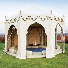 One day when I win lotto. The Maharani Garden Tent - Indian Jaipur Tents : Indian Garden Company Zelt Camping, Camping Glamping, Camping Hacks, Camping Store, Rv Hacks, Camping Checklist, Beach Camping, Family Camping, Moroccan Tent