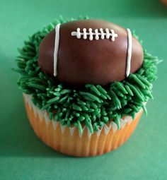 Fun Sports Cupcakes and more--Bradyn's birthday?