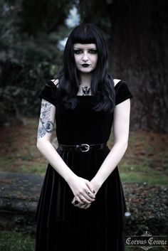 Corvus Corone: Fashion and Photography Modell Autumn. I want this dress!