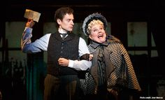 A Gentleman's Guide to Love & Murder | Broadway in Chicago