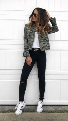 45 Outstanding Outfits To Own This Spring / 001 #Spring #Outfits