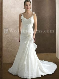 Elegant Wedding Dress---i like the top part of the dress....