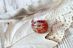 eco resin ring-REAL WILD FLOWER ring-Resin jewelry-dried red leaves-nature inspired engagement ring-botanical handmade jewelry-Eco Friendly