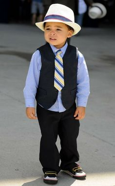 This young Royals fan looked sharp for #DressedtotheNines!