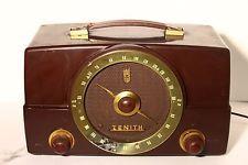 Vintage 1954 ZENITH K725 Bakelite AM-FM Tube TABLE Radio Brown Cb Microphone, Radio Design, Retro Radios, Old Time Radio, Radio Wave, Farmer's Daughter, Music Boxes, Televisions, Vintage Cameras