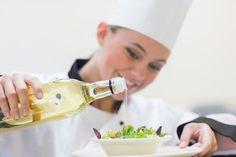 3 proste przepisy na domowy sos do sałatek
