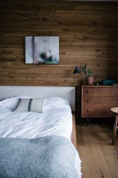 I'm excited to introduce the first of many inspiring interior features to come along with a little weekend travel guide for the Hudson Valley / Catskills area of upstate New York from our trip there this past November. When we had a chance to hop up to Hudson Wood's beautiful modern cabinfor a stay courtesy …