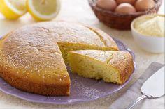 La torta Bertolda è un dolce semplice e rustico preparato con il fumetto di mais che fa parte della tradizione gastronomica lombarda.
