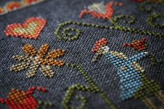 Colonial Garden OPTIONAL Silk Threads : Plum Street Samplers Paulette Stewart counted cross stitch patterns hand embroidery by thecottageneedle