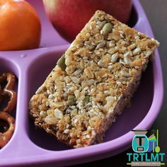 Baked Muesli Bars - The Road to Loving My Thermo Mixer Muesli Slice, Muesli Bars, Granola, Bellini Recipe, Healthy Snacks, Healthy Cake, Healthy Recipes, My Recipes, Dessert Recipes