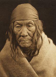 Ka'ni - Sarsi (The North American Indian, v. XVIII. Norwood, MA, The Plimpton Press, 1928)