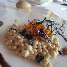 Vainilla, regaliz, caramelo y oliva negra, postre Celler de Can Roca
