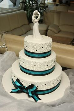 royal blue and black wedding cakes could put teal where the black is and black where the 19344