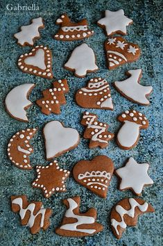 Christmas Sugar Cookies, Christmas Gingerbread, Gingerbread Cookies, Biscuits, Hallmark Christmas Movies, Bday Cards, Winter Food, Food And Drink, Christmas Decorations