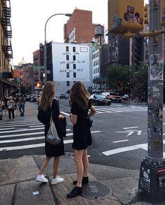 Amalie moosgaard nielsen ( i n s p i r a t City Aesthetic, Summer Aesthetic, New York Tumblr, Pool Girl, Foto Madrid, Nyc Girl, City Vibe, Barcelona, Living In New York