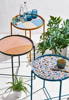 Mosaic Tile Table, Mosaic Coffee Table, Tile Tables, Mosaic Table Tops, Mosaic Outdoor Table, Mosaic Pots, Pebble Mosaic, Mosaic Garden, Mosaic Crafts