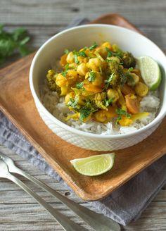Caril de legumes Healthy Meals For Kids, Healthy Treats, Kids Meals, Healthy Eating, Vegan Curry, Lentil Curry, Tahini, Vegetarian Recipes, Cooking Recipes