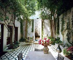 Contar con un patio o terraza es, sin lugar a dudas, una ventaja. Exteriores que pueden darnos un respiro convirtiéndose en una zona estupenda para pasar las noches de verano, los fines de semana o cualquier tarde después del...