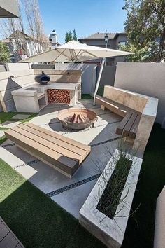 Have you heard of It's the latest wall trend. Take a look at how used to create this German Schmear effect. Backyard Garden Design, Backyard Landscaping, German Schmear, Fire Pit Area, Construction, Pergola, Patio, Outdoor Decor, Outdoor Spaces