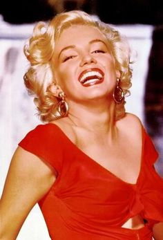 Marilyn Monroe in a publicity shot for the 1953 movie, Niagara. Photographed by Bruno Bernard.