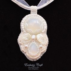 Moonstone pendant by Exclusive Craft. www.exclusivecraftforyou.com