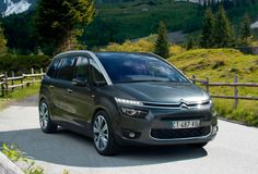 The 2015 Grand Picasso still lives up to the MPV name as its predecessors. It is a seven-seater model having three rows of seat; two at the front, three at the middle and two foldable ones at the back. The car has come in with new designing ideas, cutting edge technology and a lot of options to choose from running from under the hood to the interior of the car.