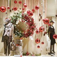 #showcase #shop #celebration #newyear #happynewyear #christmas #merrychristmas #christmaswreaths
