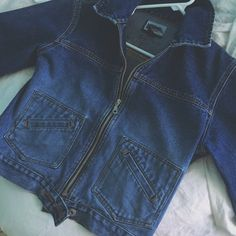 6ed52d16245 vintage denim jacket with collar and tons of pockets size m Denim Jackets