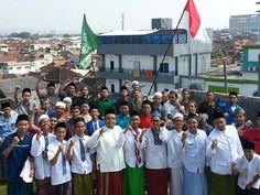 "Kami santri2 mengucapkan "" Dirgahayu INDONESIA yg ke 71,  MERDEKAA...."