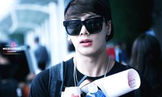GOT7's Jackson injured by sasaengs driving into him in China-Get better Jackson!!!!!