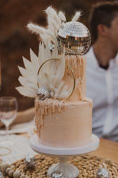 Naked Wedding Cake, Our Wedding, Wedding Cakes, Dream Wedding, Disco Birthday Party, Disco Party, Birthday Parties, Disco Cake, Cake Pops
