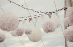 These but with gold tissue paper? Bunting, pom poms and paper lanterns. All that's needed now are twinkle lights. Diy Wedding, Dream Wedding, Wedding Poms, Wedding Bunting, Wedding Ideas, Garden Wedding, Wedding Garlands, Wedding Lanterns, Tent Wedding