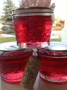 WINE JELLY RECIPE Ingredients: 6 cups sugar 4 cups red wine - you can use any variety of wine or champagne. 6 oz liquid pectin Canning jars six 8 oz  Directions: 1 Combine sugar and wine in a large saucepan. 3 Cook over medium heat, stirring continuously, until sugar is dissolved. You really want to make sure that you bring it to a strong boil. 5 Remove from heat and add the liquid pectin... mix really well. 6 Skim off any foam and discard. 7 Pour immediately into sterilized jars and seal.