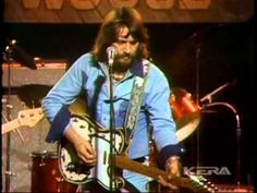 Waylon Jennings - Ladies Love Outlaws - Live at the Texas Opry 1975!