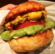 日本網友狂推《壓扁漢堡派》被踩扁的絕品就是它