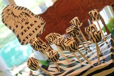 IMG 44471 Zebra striped marshmallow pops and stand idea and so many other zoo birthday theme ideas! Zebra Birthday, Safari Birthday Party, 4th Birthday Parties, Birthday Bash, Birthday Ideas, Baby Birthday, Safari Party, Jungle Theme Parties, Zebra Party