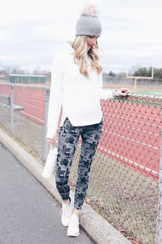 winter outfits sporty 47 Top Legging Outfits Ideas For Beautiful Women To Copy Asap Legging Outfits, Patterned Leggings Outfits, Leggings Outfit Summer, Tops For Leggings, Women's Leggings, Tribal Leggings, Leather Leggings, Printed Leggings, Black Leggings