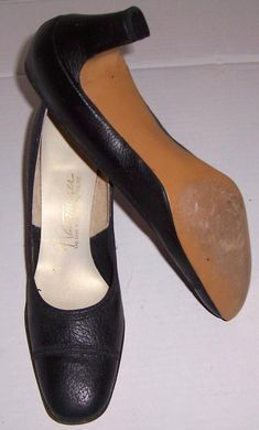 e42c3d4f966 Vintage Naturalizer Ladies Black Leather Slender Fit Shoes