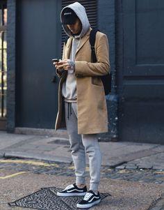 Fabulous Tips Can Change Your Life: Classy Urban Fashion Summer Outfits urban wear streetwear menswear.Urban Fashion Plus Size Hip Hop urban fashion streetwear kanye west. Looks Cool, Men Looks, Modest Winter Outfits, Winter Outfits For Guys, Moda Streetwear, Mens Urban Streetwear, Mens Streetwear Fashion, Streetwear Brands, Mode Man