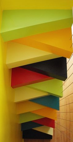 Before / after: an old staircase replaced by a colorful stair not Japanese