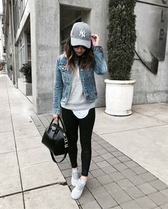 athleisure outfits for work ; athleisure outfits plus size ; athleisure outfits over 40 Jean Jacket Outfits, Legging Outfits, Outfit Jeans, Sweatshirt Outfit, Denim Jacket Outfit Winter, Jogger Pants Outfit, Yoga Pants Outfit, Women Joggers Outfit, Black Jeans Outfit Fall