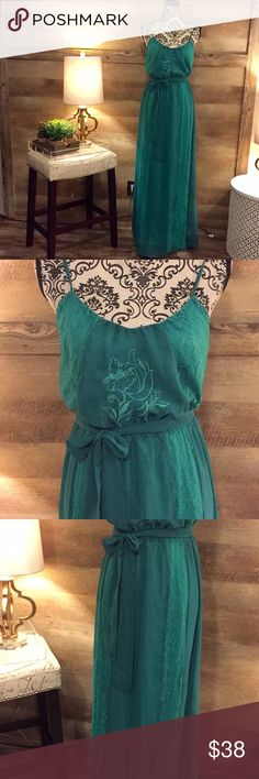Charming Charlie Emerald Embroidered Maxi Dress Size small. Lined. Emerald green. Charming Charlie brand. Lace details. Embroidered bodice. Belted waist. Charming Charlie Dresses Maxi
