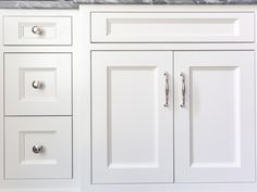 Choose Wisely! My Tips for Choosing Cabinetry Hardware   BlueGrayGal Kitchen Cabinets Light Wood, Kitchen Cabinet Hardware, Shaker Cabinets, Bathroom Hardware, Cabinet Handles, Knobs And Handles, Knobs And Pulls, Two Tone Cabinets, House Color Palettes
