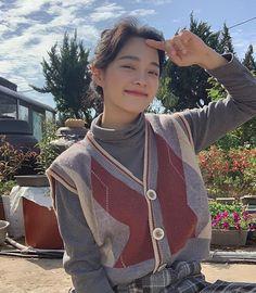 Cute Korean Boys, South Korean Girls, Korean Girl Groups, Kim Sejeong, Jellyfish Entertainment, Ulzzang Korean Girl, Ioi, Kpop Fashion, Aesthetic Girl